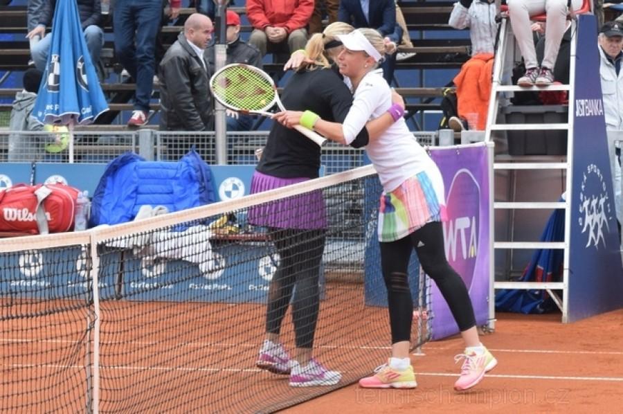 Hlaváčková s Hradeckou se po rozchodu dočkaly v Quebecu dalšího společného WTA titulu