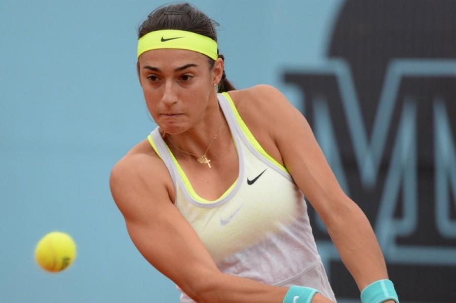 Caroline Garcia vyřadila na domácím turnaji Lucii Hradeckou