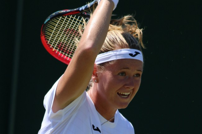 Bouzková navázala na úspěšnou kvalifikaci. Vyřadila Stosurovou!